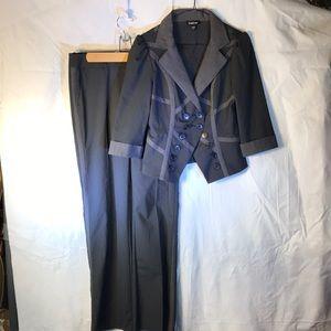 Bebe suit pants Sz 4 & 3/4 sleeves jacket Sz 6